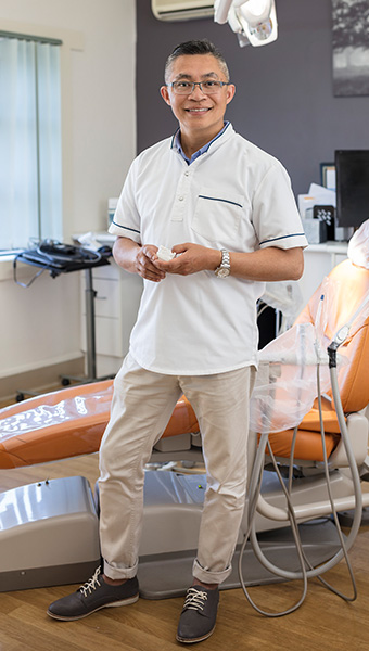Dr Khang Le
